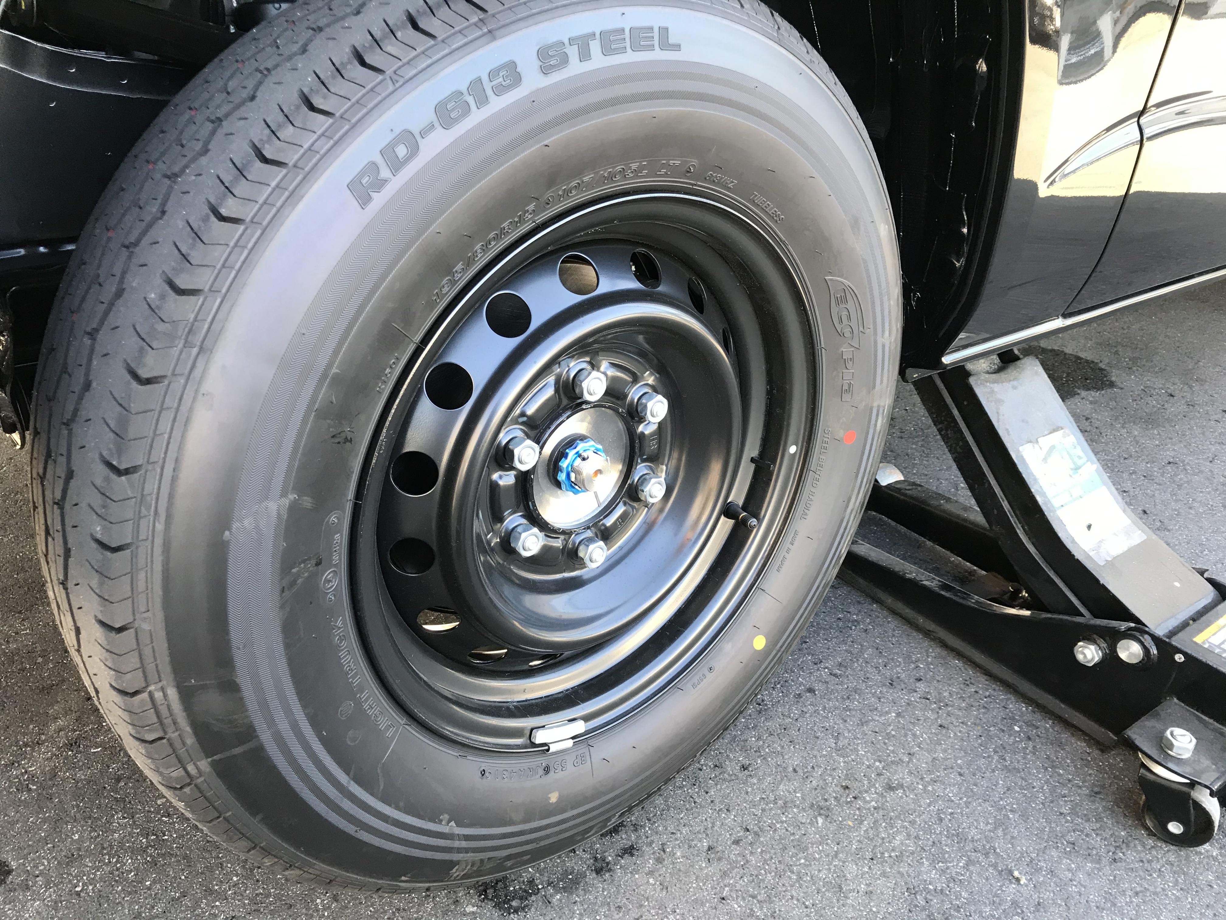 タイヤ ハイエース スタッドレス